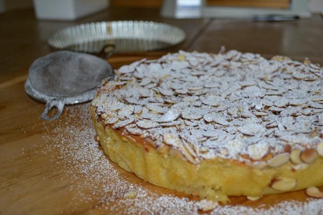 Almond Cake Powdered Sugar